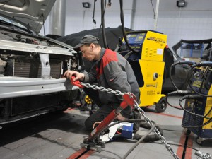 Восстановление геометрии кузова в автосервисе