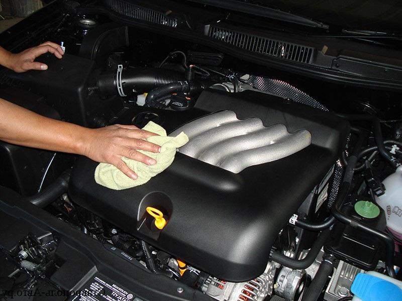 Чем лучше отмыть двигатель в домашних условиях